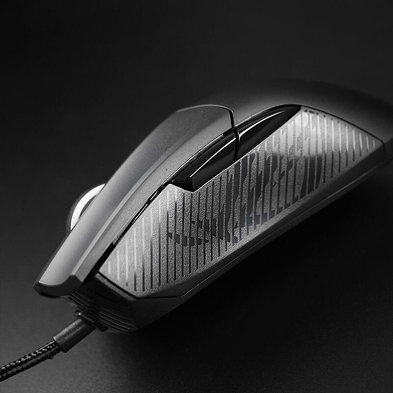 ROG战刃标准版 游戏鼠标 有线鼠标 RGB光效 可换微动 6200DPI 黑色_http://www.chuangxinoa.com/img/images/C202104/1619164910140.jpg